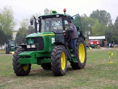 Poljoprivredne Masine Traktori