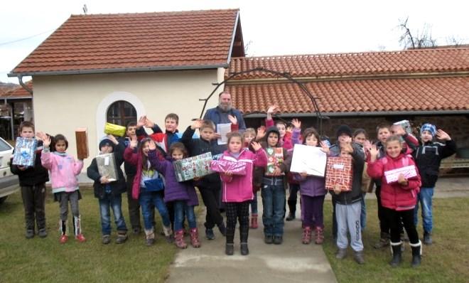 paketici za decu sa kosova i metohije Curug Novi Sad