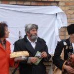 Фондација Етнос Шајкаш – постављање спомен плоче – Кућа вeрoвaњa Гojко Toдoрoвић