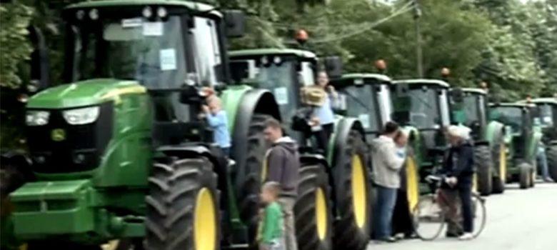 defile traktora curug 2017
