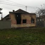 Петочлана породица из Ковиља у пожару остала без куће