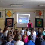 Oдржана предавања основцима на тему безбедност деце на интернету – Школама у походе