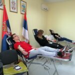 Матуранти СТШ Милева Марић обележили акцију давања крви