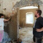 Драгана Којичић помаже у обнављању куће из половине 19. века